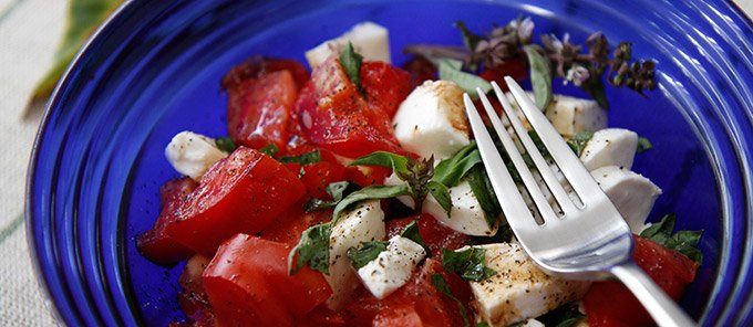 ensalada-caprese-featured-pq